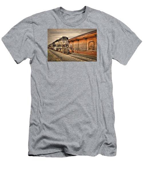 Locomotive 1637 Norfork Southern Men's T-Shirt (Athletic Fit)
