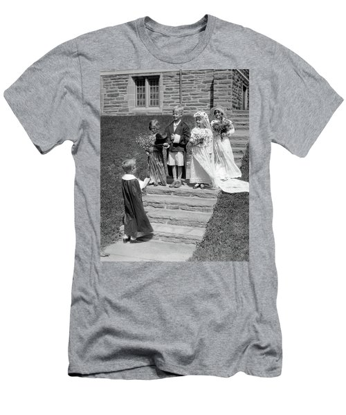 1930s Children Boys And Girls Playing Men's T-Shirt (Athletic Fit)