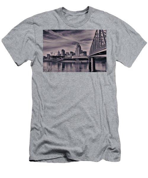 Cincinnati Men's T-Shirt (Athletic Fit)