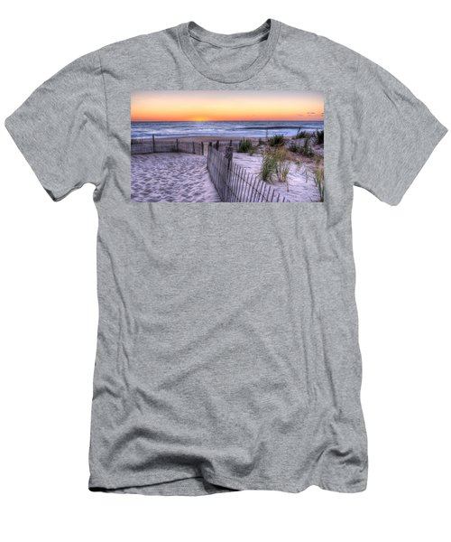 Dewey Beach Sunrise Men's T-Shirt (Athletic Fit)