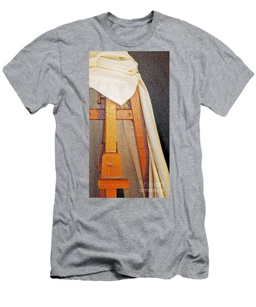 Draped Easel Men's T-Shirt (Athletic Fit)