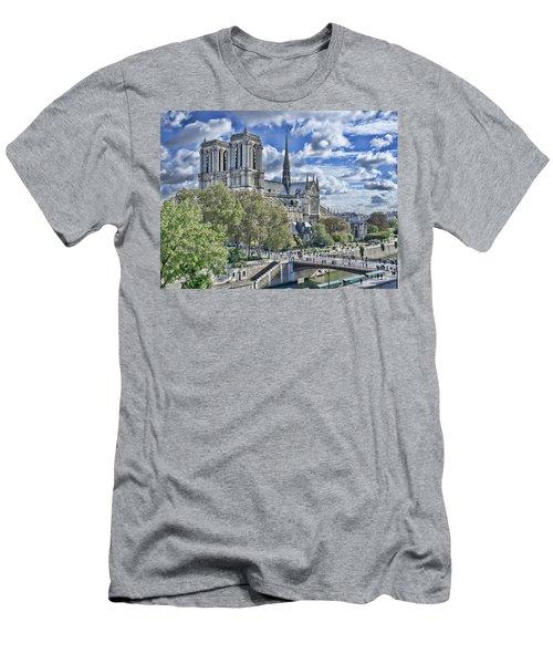Notre Dame Men's T-Shirt (Athletic Fit)