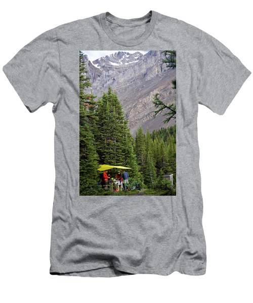 3 People Beneath A Tarp Enjoy Breakfast Men's T-Shirt (Athletic Fit)