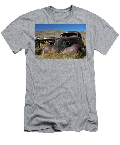 '37 Chevy In Bodie Men's T-Shirt (Athletic Fit)
