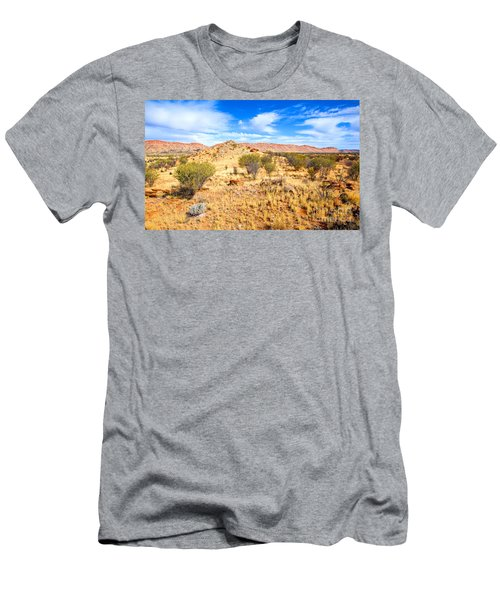 West Mcdonnell Ranges Larapinta Drive Men's T-Shirt (Athletic Fit)