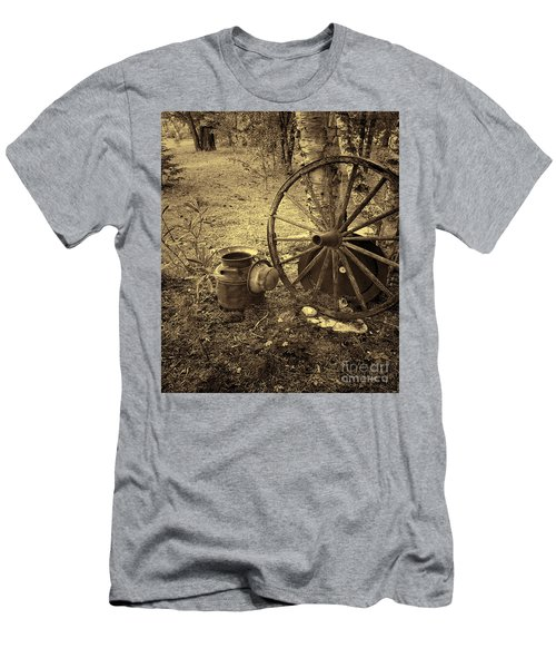 Abandoned - Antique Vintage Men's T-Shirt (Athletic Fit)