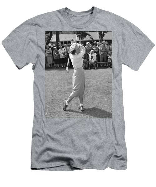 Babe Didrikson Teeing Off Men's T-Shirt (Athletic Fit)