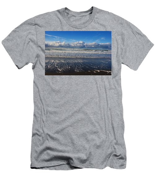 Beckoning Sea Men's T-Shirt (Athletic Fit)