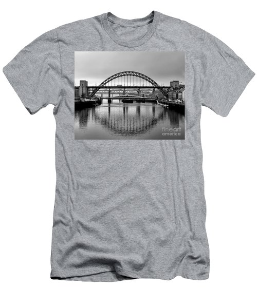 Bridges Over The River Tyne Men's T-Shirt (Athletic Fit)