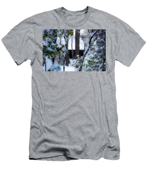 Cabin In The Woods Men's T-Shirt (Athletic Fit)