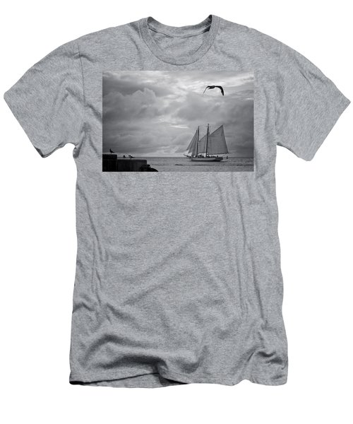 Chasing The Wind IIi Men's T-Shirt (Athletic Fit)
