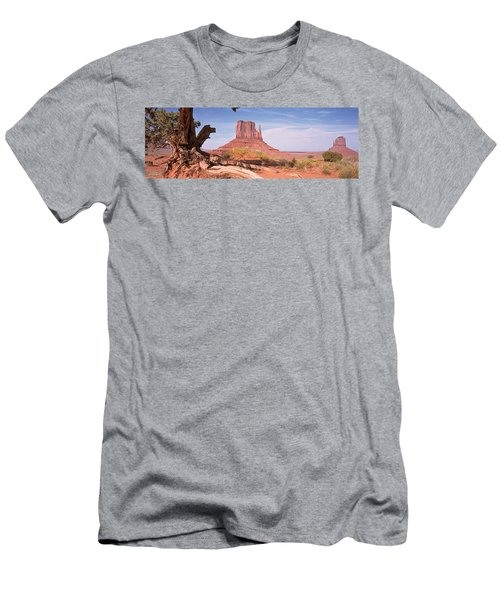 Close-up Of A Gnarled Tree With West Men's T-Shirt (Athletic Fit)