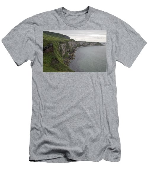 Coastline Carrick-a-rede Northern Ireland Men's T-Shirt (Athletic Fit)