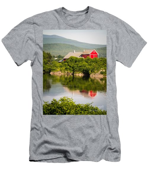 Connecticut River Farm Men's T-Shirt (Athletic Fit)