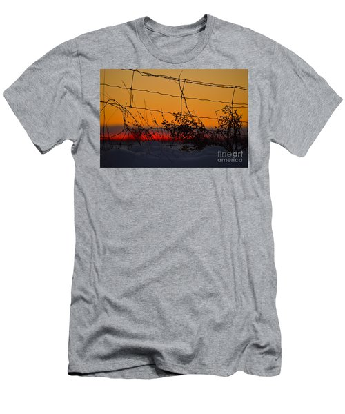 Country Fence Men's T-Shirt (Athletic Fit)