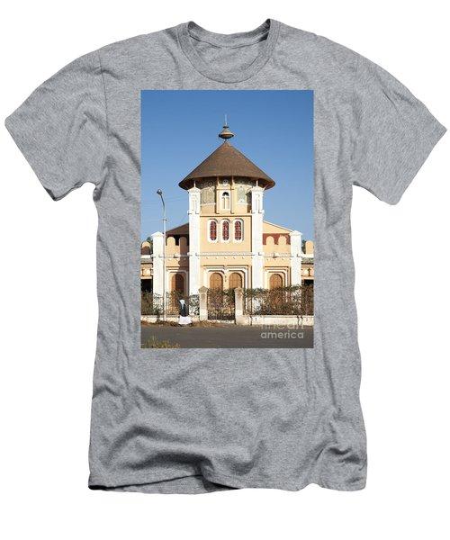 enda Mariam cathedral in asmara eritrea Men's T-Shirt (Athletic Fit)