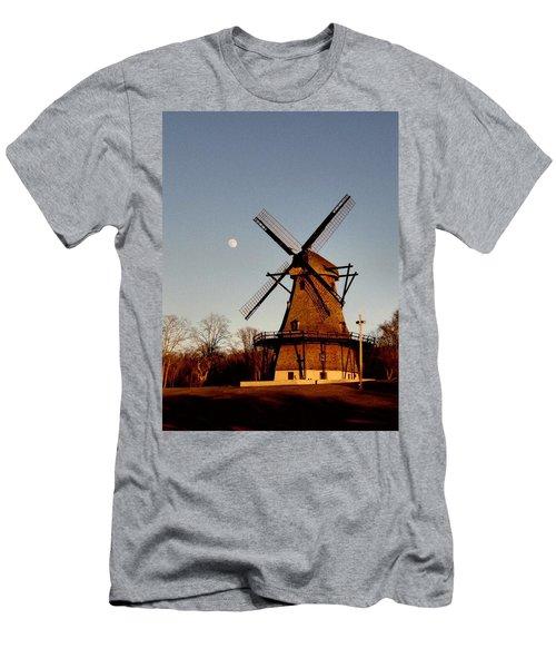 Fabyan Windmill Men's T-Shirt (Athletic Fit)