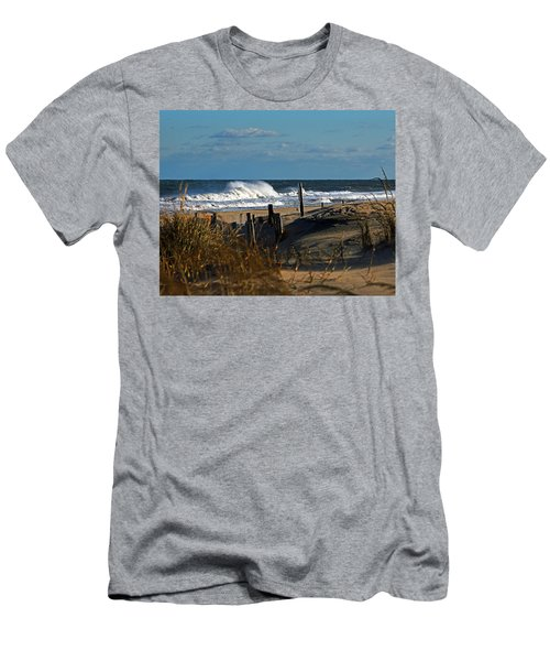 Fenwick Dunes And Waves Men's T-Shirt (Athletic Fit)