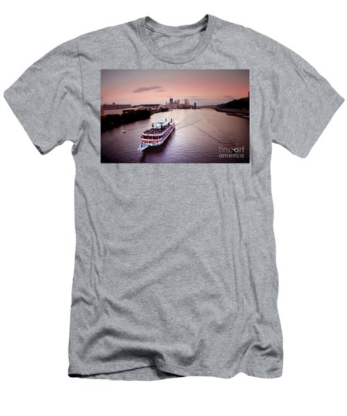 Ferry Boat At The Point In Pittsburgh Pa Men's T-Shirt (Athletic Fit)