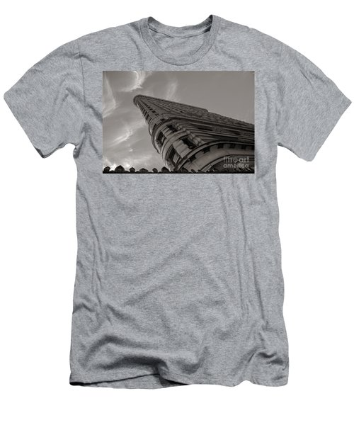 Flat Iron Building Men's T-Shirt (Athletic Fit)
