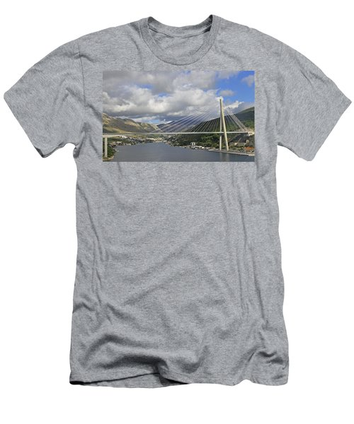 Franjo Tudman Bridge Men's T-Shirt (Athletic Fit)