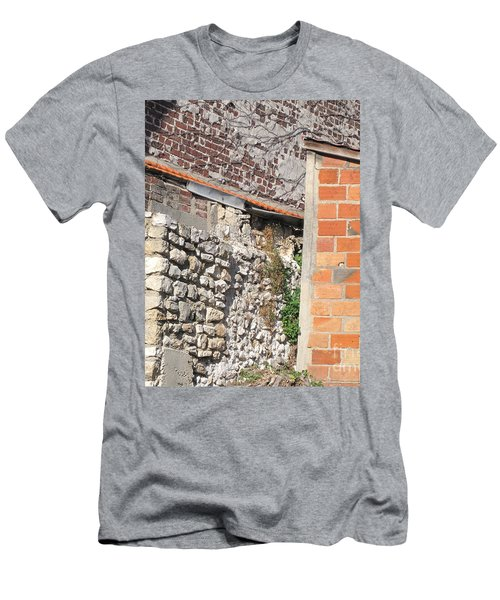 French Farm Wall Men's T-Shirt (Athletic Fit)