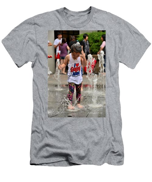 Girl Child Plays With Water At Fountain Singapore Men's T-Shirt (Athletic Fit)