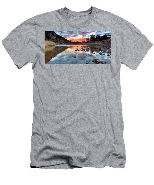 Glen Helen Gorge Sunset Men's T-Shirt (Athletic Fit)