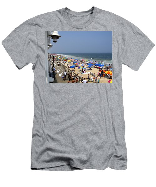 Good Beach Day At Bethany Beach In Delaware Men's T-Shirt (Athletic Fit)