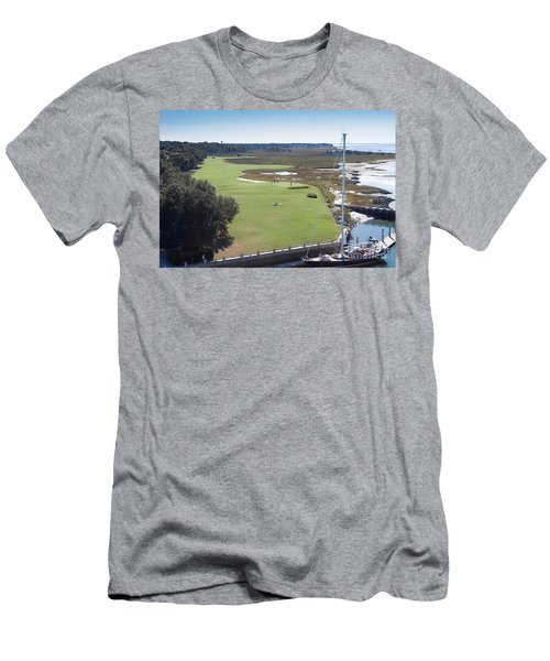 Harbourtown Golf Course 18th Hole Men's T-Shirt (Athletic Fit)