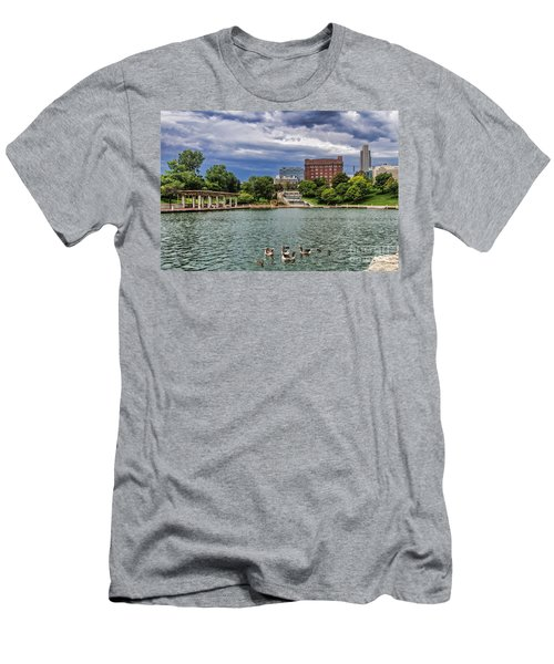Heartland Of America Park Men's T-Shirt (Athletic Fit)