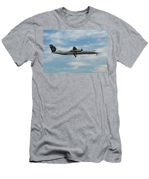 Horizon Airlines Q-400 Approach Men's T-Shirt (Athletic Fit)