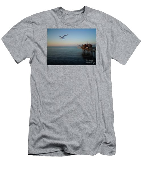 Il Trabucco - The Trebuchet Fishing Men's T-Shirt (Athletic Fit)