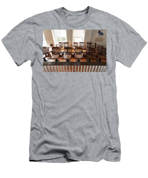 Jury Box In The Courtroom Of The Old Men's T-Shirt (Athletic Fit)