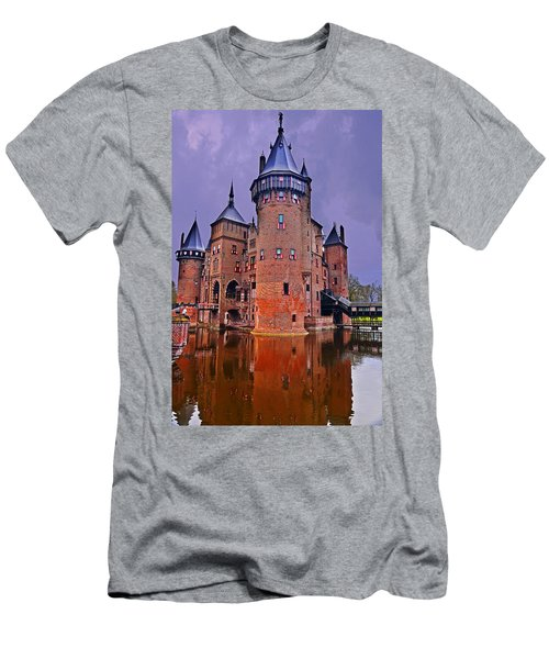 Kasteel De Haar Men's T-Shirt (Athletic Fit)