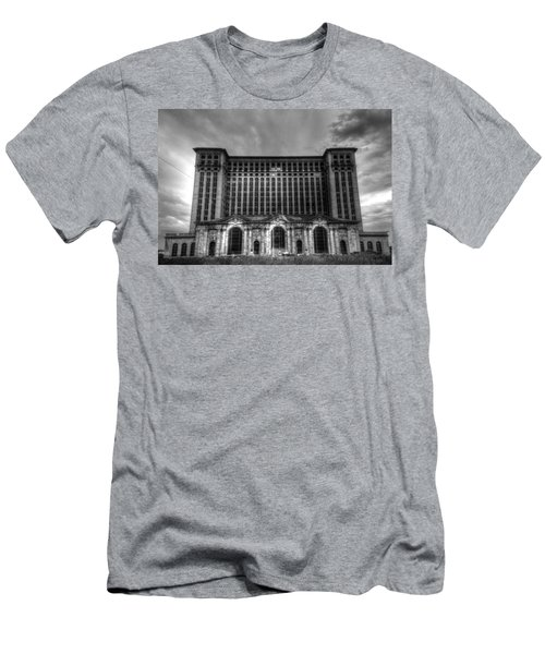 Michigan Central Station Bw Men's T-Shirt (Athletic Fit)