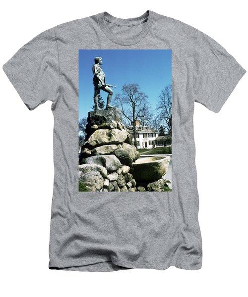 Minuteman Statue Men's T-Shirt (Athletic Fit)