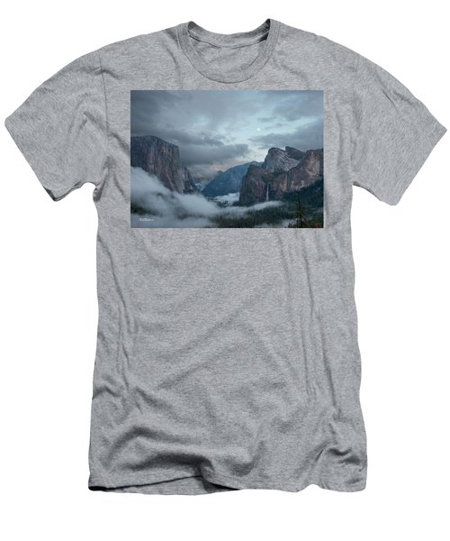 Moon Rise Yosemite Men's T-Shirt (Athletic Fit)