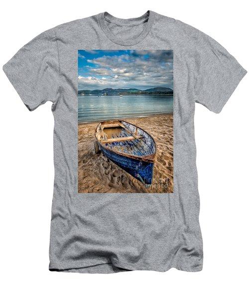 Morfa Nefyn Boat Men's T-Shirt (Athletic Fit)