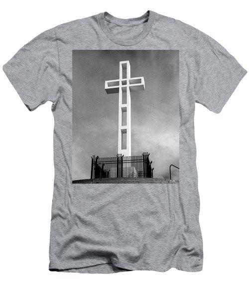 Mount Soledad Cross Men's T-Shirt (Athletic Fit)