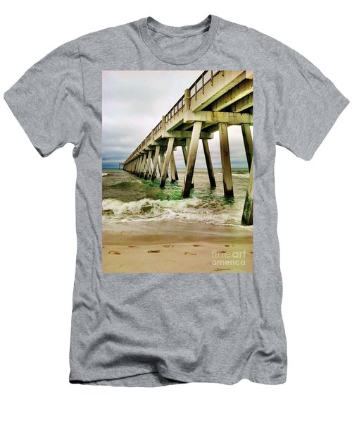 Navarre Pier Men's T-Shirt (Athletic Fit)