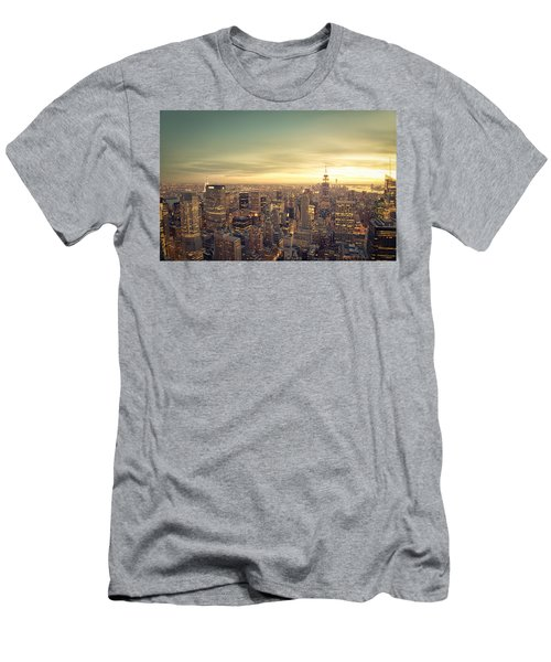 New York City - Skyline At Sunset Men's T-Shirt (Athletic Fit)