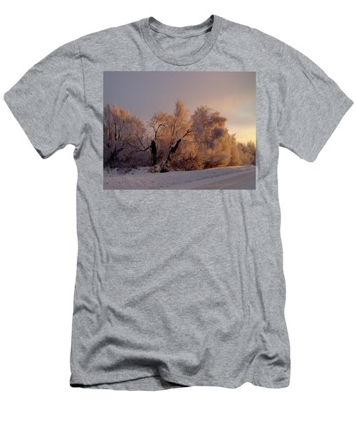 Men's T-Shirt (Slim Fit) featuring the photograph Northern Light by Jeremy Rhoades