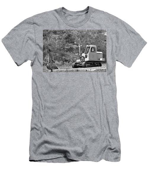 Old Backhoe Men's T-Shirt (Athletic Fit)