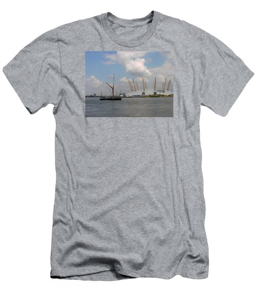 On The Thames Men's T-Shirt (Athletic Fit)