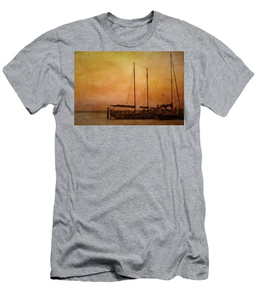 Pensacola Harbor Men's T-Shirt (Athletic Fit)