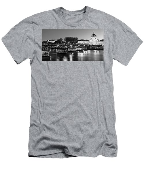 Pont Des Arts At Night / Paris Men's T-Shirt (Athletic Fit)