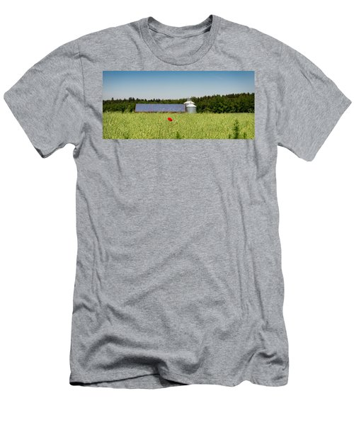 Poppy Flower In A Field And Barn Men's T-Shirt (Athletic Fit)
