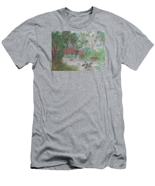 Red Bridge At Wollongong Botanical Gardens Men's T-Shirt (Slim Fit)