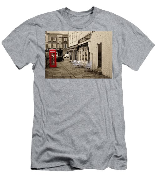 Red Telephone Box Men's T-Shirt (Athletic Fit)